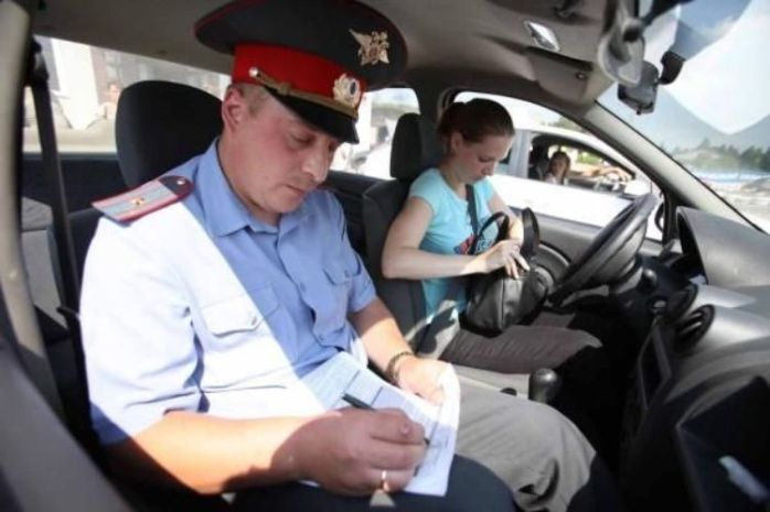 Новый регламент для инспекторов ГИБДД вступит всилу с1апреля