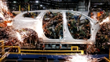 Завод GM в Санкт-Петербурге будет работать на каникулах