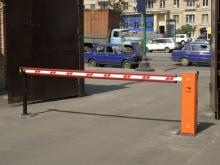 Автомобильные новости, запрещен въезд во дворы, шлагбаумы